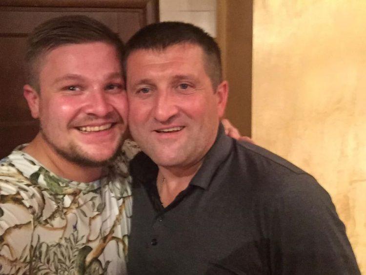 Іван Лазорко із батьком Олександром. Фото зі сторінки Івана Лазорка у Фейсбук.