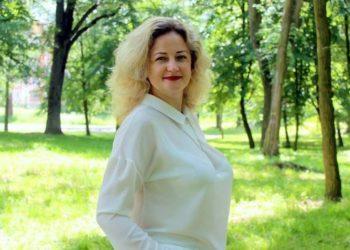 Помічниця-консультантка народного депутата України Ігоря Гузя Валентина Романюк. Фото з її  особистої сторінки у Facebook