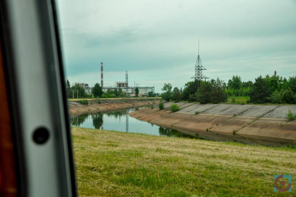 Краєвид на Прип'ять, що відкривається з вікна автобуса