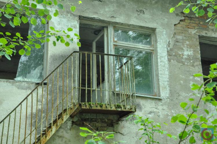 Прип'ять, вікна, сходи