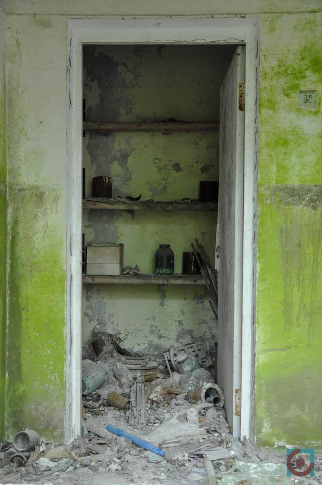 Прип'ять, двері