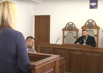 Суд виправдав чоловіка-нотаріуса судді Шацького райсуду Олексія Сушика у справі про підробку документів