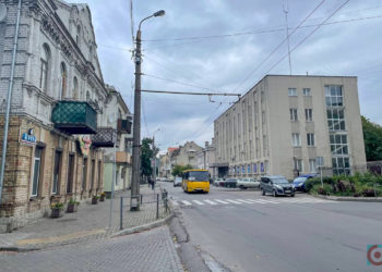 вулиця Богдана Хмельницького тротуар Луцьк